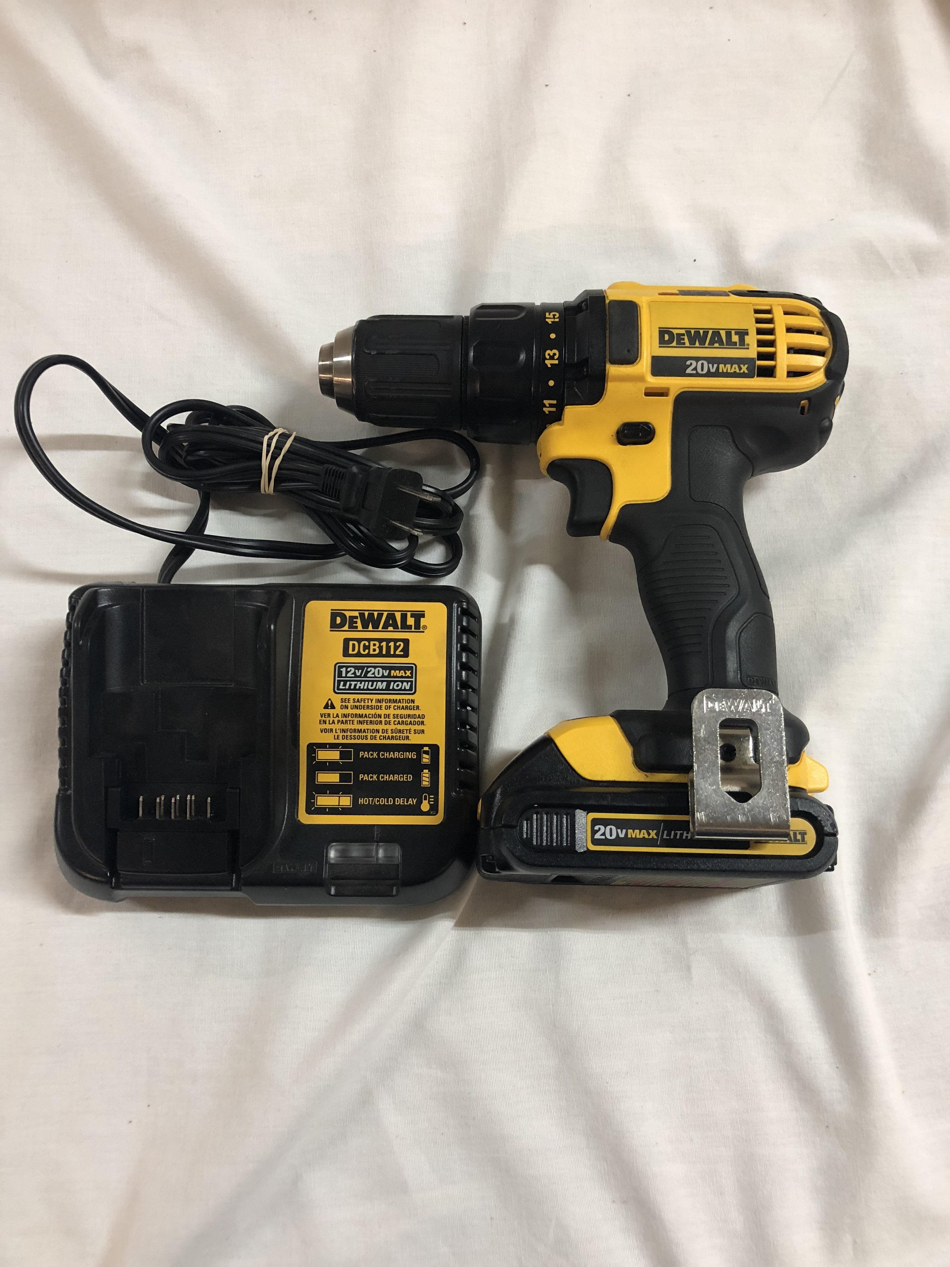 Dewalt 20v Drill With Charger